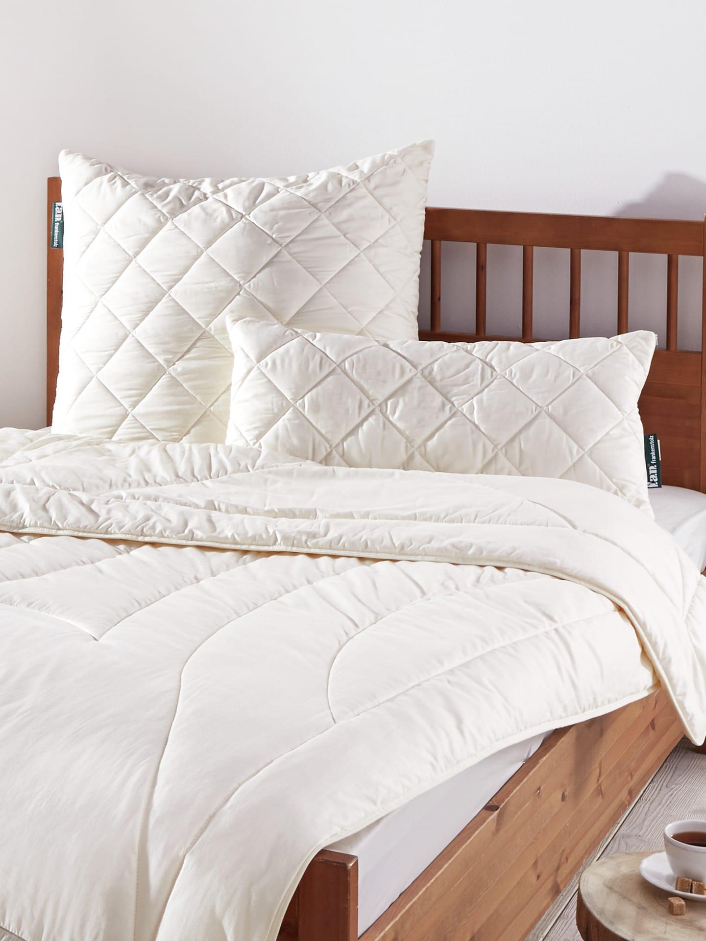 zirben bettdecken schlafzimmer mit schr ge gestalten kopfkissen 80x80 microfaser fernseher. Black Bedroom Furniture Sets. Home Design Ideas