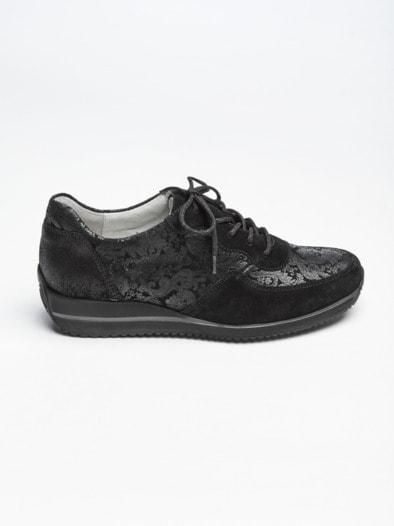 auf Füßen Aufnahmen von überlegene Materialien auf Füßen Aufnahmen von Waldläufer-Sneaker Extraleicht