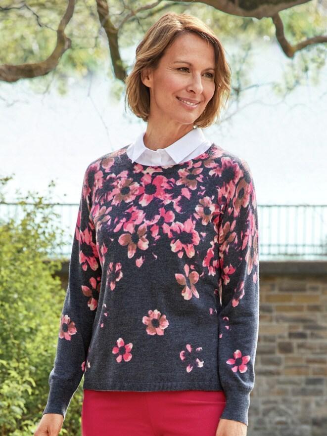 Soft-Pullover Blütentraum