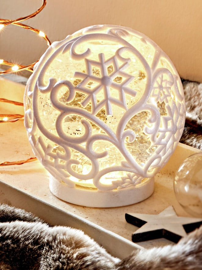 LED-Schneekugel
